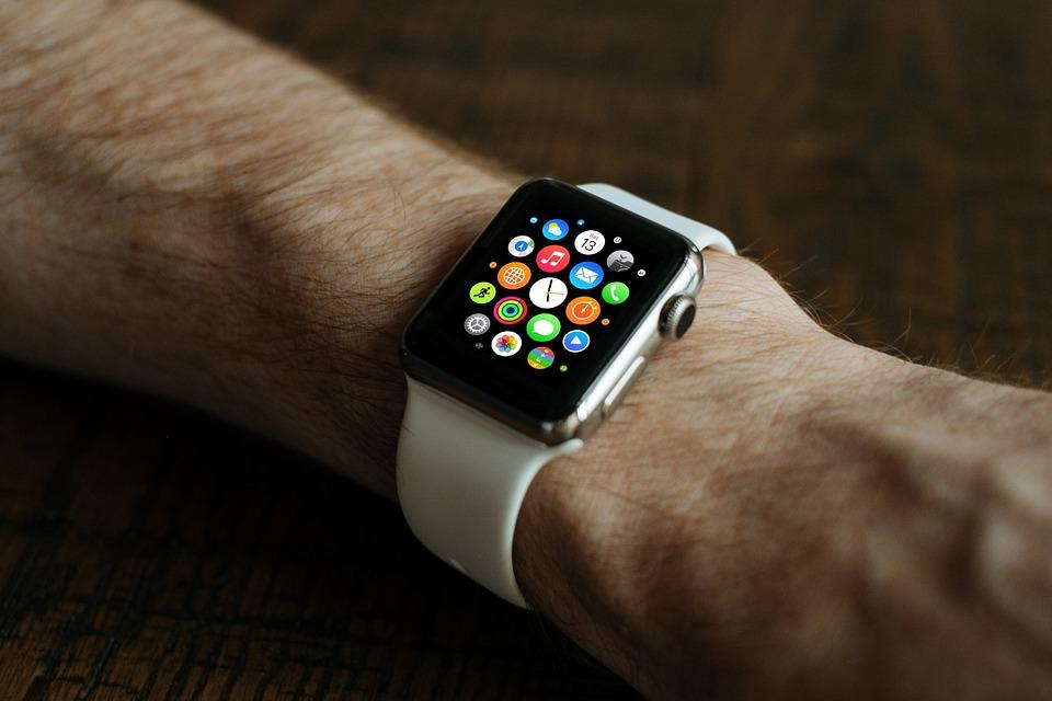 smart-watch-821559_960_720