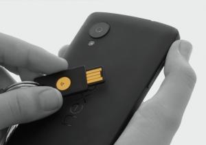 Yubikey NEO dispone de NFC.